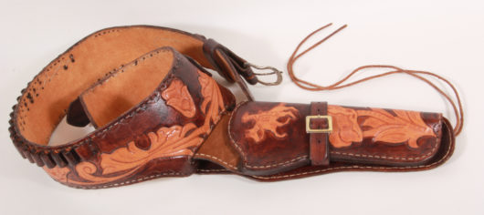 13582 - Revolver Holster with Belt